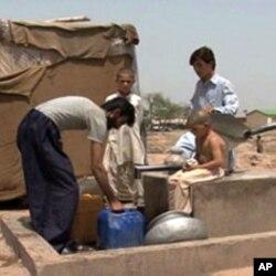 افغان بستی کے رہائشی بنیادی سہولتوں کا مطالبہ کرتے نظر آئے۔