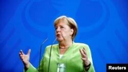 Nemačka premijerka Angela Merkel tokom zajedničke konferencije za novinare sa predsedavajućim Saveta ministara Bosne i Hercegovine, Denisom Zvizdićem, u Berlinu, Nemačka, 13. avgusta 2018.