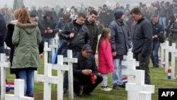 Obeležavanje Dana sećanja na žrtve Vukovara 1991. na Memorijalnom groblju zrtava Domovinskog rata.
