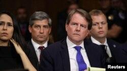 前白宮法律顧問麥加恩在一個國會聽證會上 (2018年9月27日)
