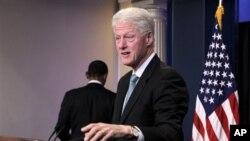 Ο Μπιλ Κλίντον εκδηλώνει ξανά ενδιαφέρον για την Ελλάδα