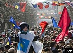 Filip Gordon: Niko ne očekuje od Srbije da prizna nezavisnost Kosova