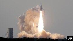 La cápsula para tripulantes estaba vacía en la demostración del martes 2 de julio de 2019 en la mañana en Cabo Cañaveral, que NASA indicó que parecía ser un éxito.
