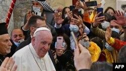 Папа Франциск в Сирийской католической Церкви Непорочного зачатия, Карагош, провинция Найнава. 7 марта 2021