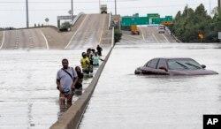 Затоплена автострада в Г'юстоні