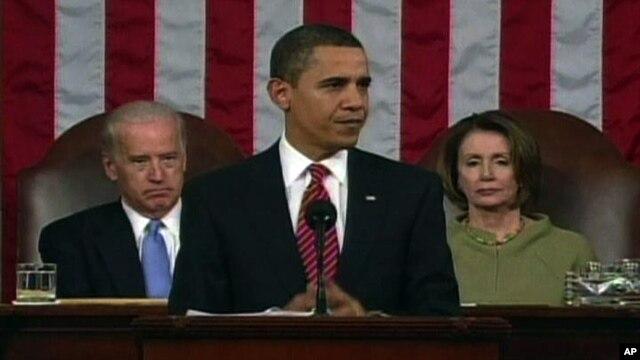 Presiden Amerika Barack Obama dalam pidato mingguannya mendesak para anggota parlemen untuk membuat perubahan yang masuk akal untuk menstabilkan perekonomian negara (Foto: dok).