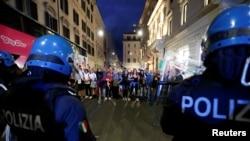 十月九号发生在罗马奇吉宫附近的示威活动。