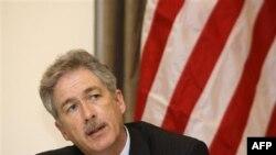 Thứ trưởng William Burns nói rằng có những 'rủi ro đáng kể' nếu ông Gadhafi dập tắt được cuộc nổi dậy