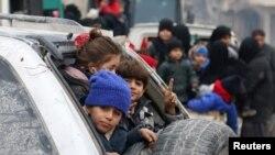 ကယ္ဆယ္ေရးယာဥ္ေတြ Aleppo ၿမိဳ႕ထဲ ၀င္ေရာက္
