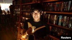 Aaron Swartz, pemrogram dan aktivis keterbukaan akses di Internet yang berperan penting dalam menghentikan RUU pembajakan daring di Kongres. (Foto: Dok)