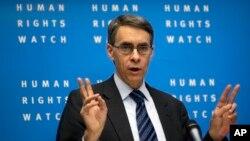 Izvršni direktor Hjuman rajts voča Kenet Rot predstavlja novi izveštaj na konferenciji za novinare u Berlinu