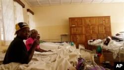 ARCHIVES - Des patients soignés à l'hôpital général de Panzi à Bukavu, RDC, 11 juin 2005