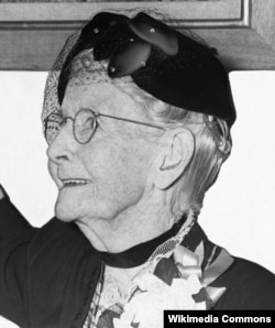 "Famous American artist Anna Mary Robertson Moses (also known as Grandma Moses) could be called a ""late bloomer."" After being a farmworker, wife, mother and handicraft maker, she began painting at age 78."