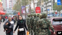 烏魯木齊街頭的武警