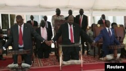 Perezida wa Sudani y'ubumanuko, Salva Kiir mu musi wahariwe gusengera amahoro mu gihugu, ku ngoro yiwe i Juba, kw'itariki 19/09/2019.