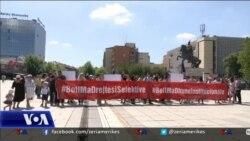 Protestë në Prishtinë kundër dhunës ndaj grave