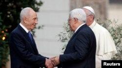 Shimon Peres, President Mahmoud Abbas and Papa Francis