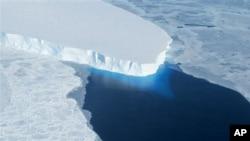 El derretimiento total de la capa de hielo de la Antártica Occidental elevaría el nivel del mar en 4,8 metros.