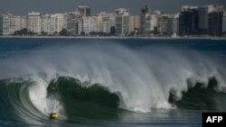 Bãi biển Copacabana ở Rio de Janeiro, Brazil