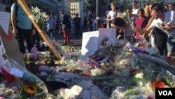 تصاویر یادبود و ادای احترام به قربانیان شهر نیس - فرانسه