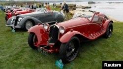 8月18日在加州一場古典車展上﹐圖中的是一部1932年的愛法羅密歐8C 2300