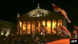Октябрьскую площадь. Архивное фото 2006г.