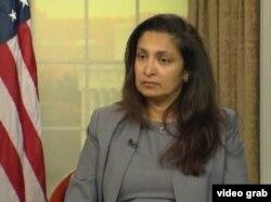 美国国务院主管民主、人权和劳工事务代理助理国务卿乌兹拉•泽雅。(视频截图)