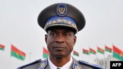 布基纳法索军方提名迪恩德尔将军为国家领导人