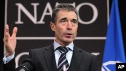 Tổng Thư Ký NATO Anders Fogh Ramussen phát biểu trong 1 cuộc họp của các ngoại trưởng NATO tại Brussels, 4/12/2012