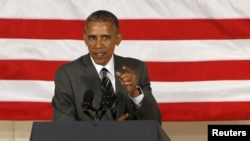 美国总统奥巴马在民主党大会上发表讲话(2015年5月7日)