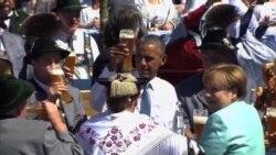 دیدار اوباما و مرکل از روستای کرون، به صرف سوسیس و آبجو