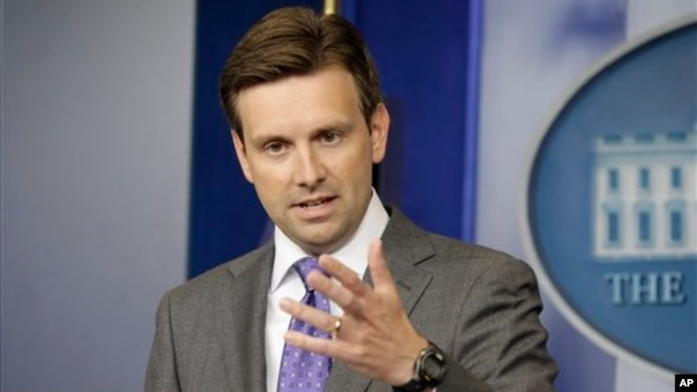 White House Deputy Press Secretary Josh Earnest speaks during his daily news briefing at the White House, Aug. 21, 2013.