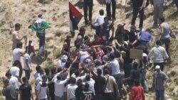 وسایل ارتباط جمعی سوريه از کشته شدن دست کم دو تظاهرکننده طرفدار فلسطينی ها به دست سربازان اسرایيلی در روز یکشنبه ۵ ژوئن ۲۰۱۱ خبر می دهند