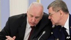 Председатель Следственного комитета РФ Александр Бастрыкин Александр Бастрыкин и Генеральный прокурор РФ Юрий Чайка