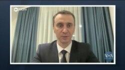 Пандемія невакцинованих: як уряди США та України виходять із ситуації. Відео