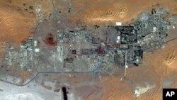 Gambar satelit ini menunjukkan peta wilayah eksplorasi gas Amenas di Aljazair tanggal 8 Oktober 2012. (AP Photo/DigitalGlobe). Krisis sandera dan nasib orang yang masih ditahan di kompleks ini masih belum diketahui (18/1).
