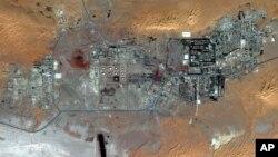 Газовое месторождение в алжирской пустыне (фото из космоса)