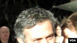 Jose Mourinho membawa Real Madrid meraih kemenangan perdana di Liga Champions setelah mengalahkan Ajax Amsterdam 2-0.