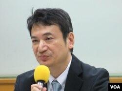 台湾大学政治系兼任教授杨永明 (美国之音张永泰拍摄)