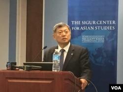 美國丹佛大學國際研究教授及中美合作中心主任趙穗生 (美國之音鍾辰芳拍攝)