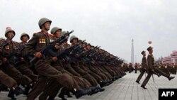 Военный парад северокорейской армии.