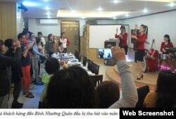 Ngoài việc tới ăn uống, các khách hàng còn có cơ hội thưởng thức ca nhạc, rồi giao lưu với các nữ tiếp viên. (Ảnh chụp từ trang soha.vn)
