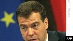 Rusiya prezidenti Dmitri Medvedev Norveçə rəsmi səfər edir