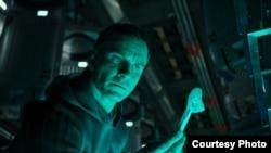 """Michael Fassbender stars in """"Alien: Covenant."""""""