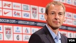 El nuevo entrenador de la selección estadounidense, Jürgen Klinsmann, logró que su equipo mejorara su imágen ante México.