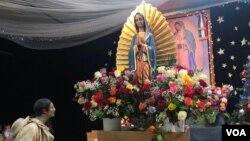 Iglesia de Nuestra Señora de Guadalupe minutos antes de dar inicio a la procesión de la celebración de la Virgen de Guadalupe en Nueva York. (Foto: Celia Mendoza – VOA)
