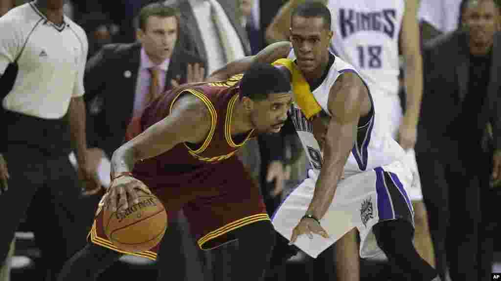 Les Cleveland Cavaliers se sont repris, sur le parquet de Sacramento, sur un score de 111-120, deux jour aprés leurs défaite face aux Memphis Grizzlies.