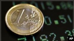 "NYT: H σύνοδος των Βρυξελλών ""παυσίπονο"" για την Ευρωζώνη"