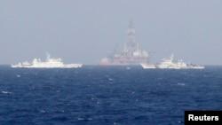 Giàn khoan Hải Dương 981 của Trung Quốc gần quần đảo Hoàng Sa.