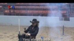 Lomba Menembak Ala Cowboy Texas - VOA Sports
